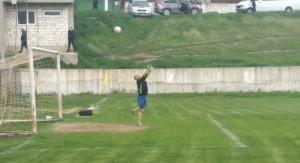 В матче против дублеров 'Шерифа' в воротах ФК 'Сирець' играет 42-летний Виктор Комлёнок